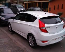 Hyundai Accent HB blanco