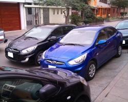 Hyundai Accent Sedan azul MT